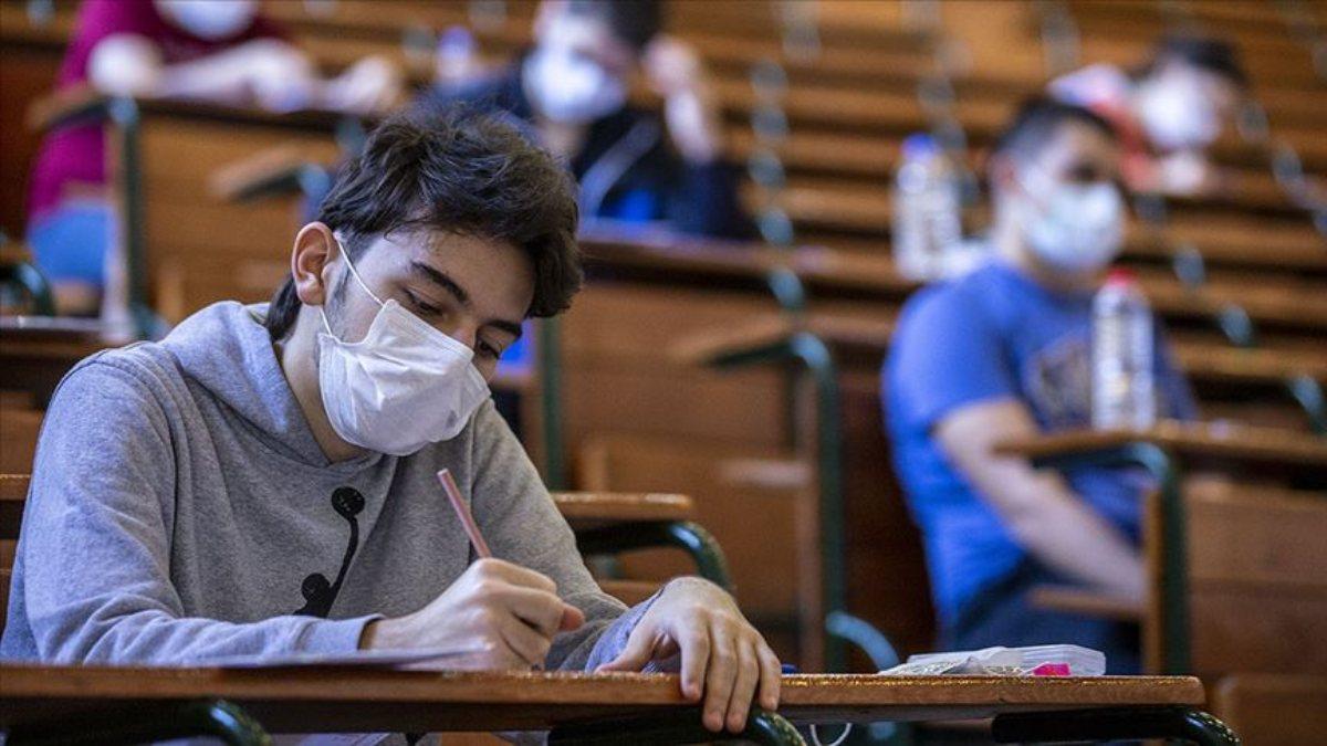 YÖK Başkanı Erol Özvar'dan üniversitelerdeki yüz yüze eğitime ilişkin açıklamalar